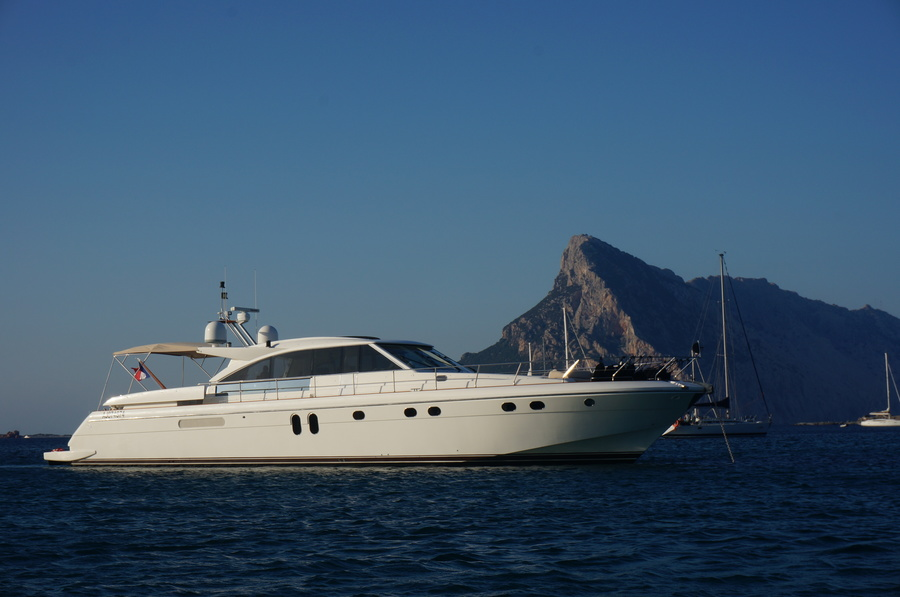 ANG-Yacht-Vente-Occasion-GUY-COUACH-2100-OPEN (3)