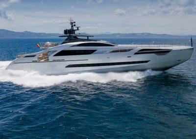 Pershing 140 Yachts