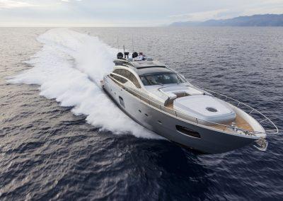 Pershing 82 Yacht