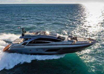 Pershing 8X Yachts
