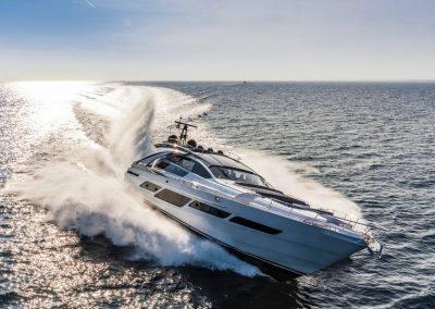Pershing 9X Yacht
