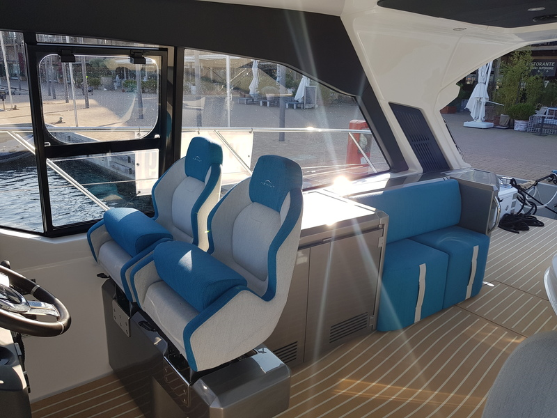 Azimut-51-Yachting-ANG-Saint-Tropez-Intérieur