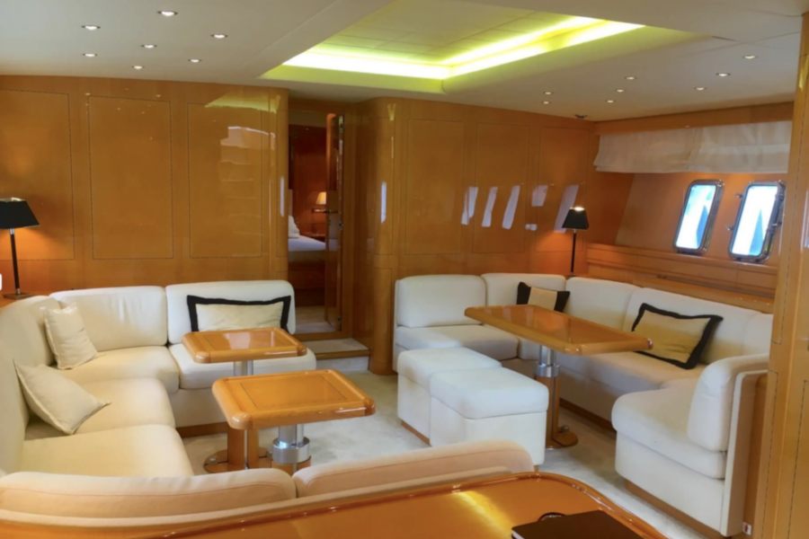 Location-Yachts-Mangusta-80-ANG-Salon-int