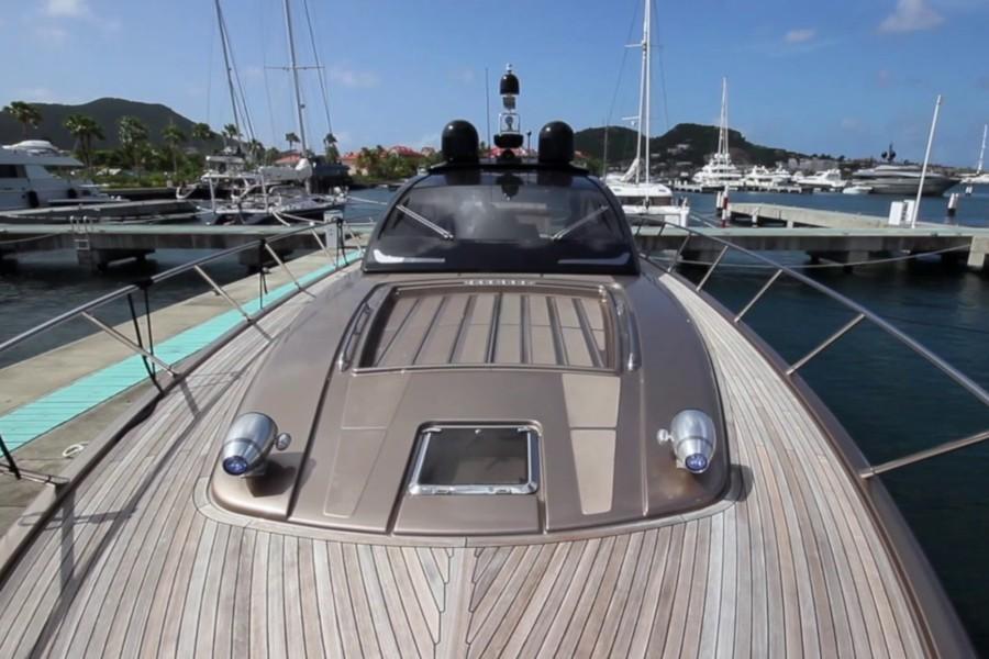 Riva-Vertigo-63-ANG-Yachts-Exterieur