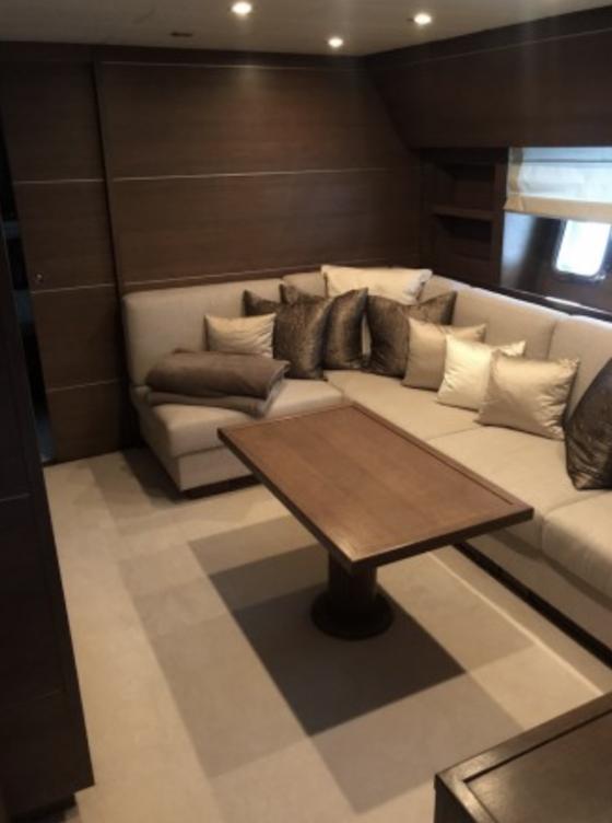 Léopard 27 Yacht Salon