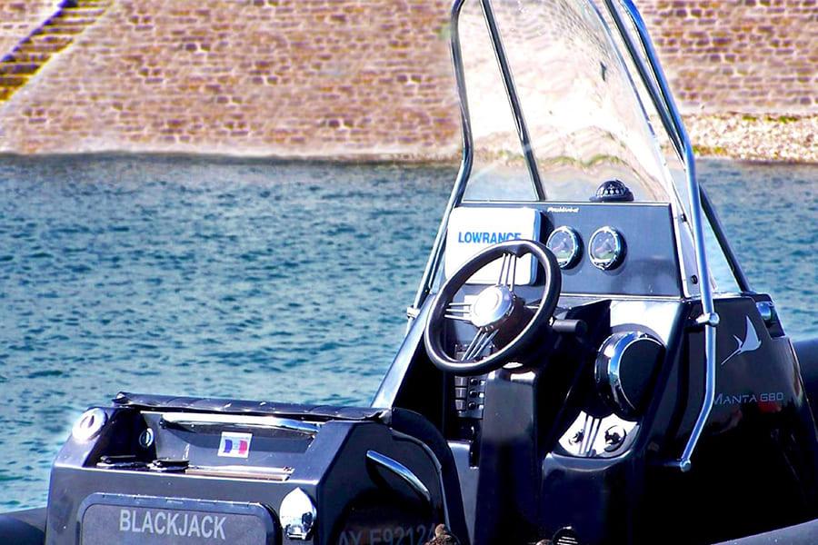 Ang-yachting-promarine-manta680-3