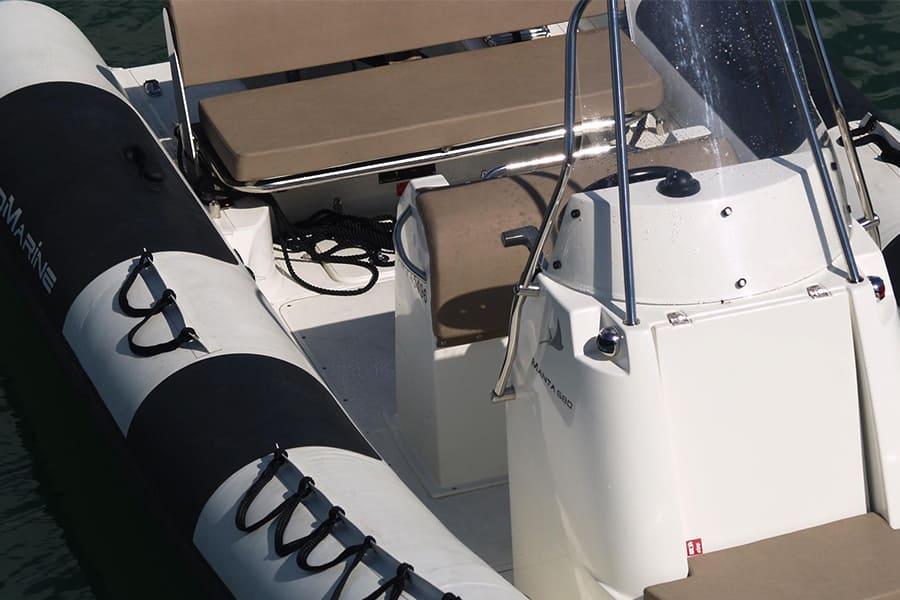 Ang-yachting-promarine-manta680-4